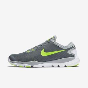 Nike Women's Flex Supreme TR 4 Athletic Shoes